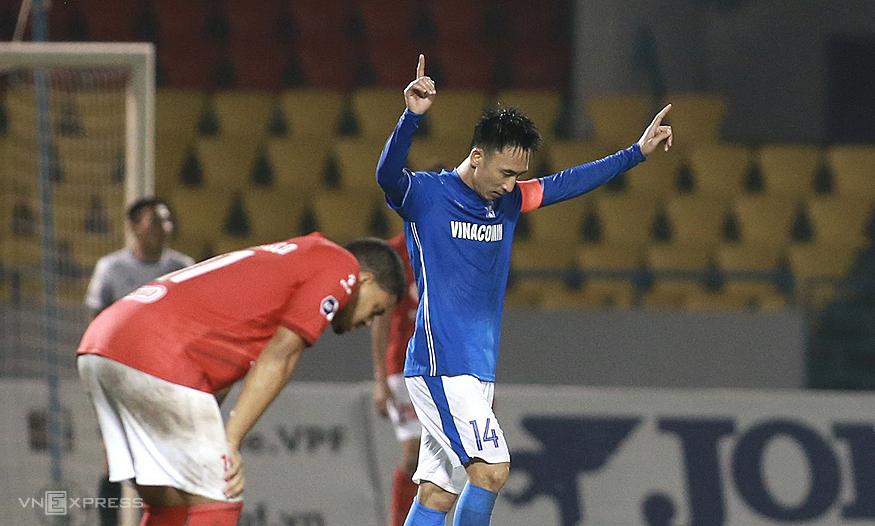 Mengapa pemain Quang Ninh bertahan 8 bulan tanpa bayaran?