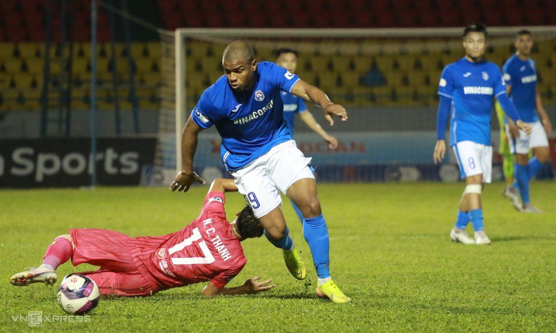 Pemain Quang Ninh terus bermain V-League