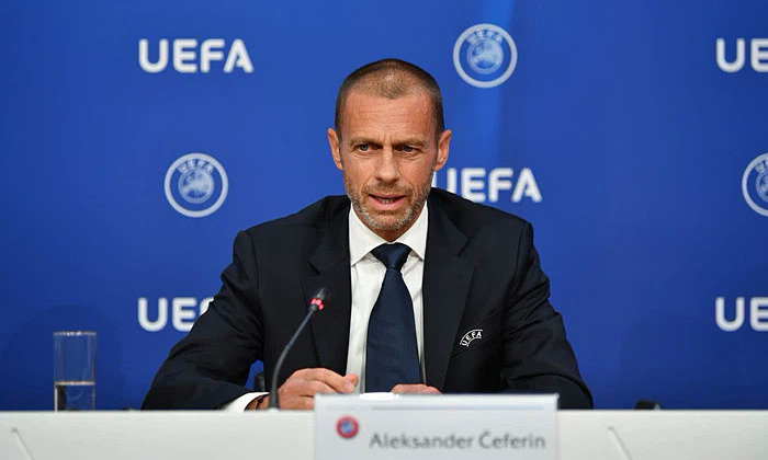 UEFA membandingkan pemimpin Man Utd dan Juventus sebagai ular berbisa