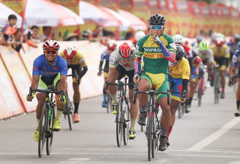 Tran Tuan Kiet memenangkan leg ketujuh turnamen sepeda melalui Vietnam