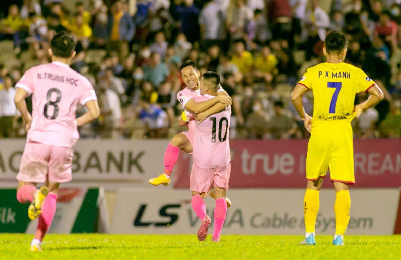 Mantan striker HAGL membantu Ha Tinh memenangkan Nghe dery