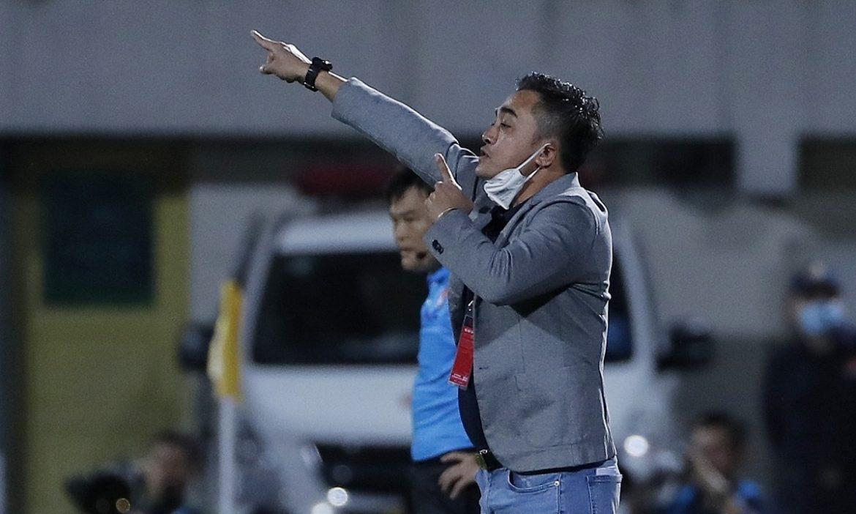Pelatih Binh Dinh memarahi pemain karena mengulur waktu