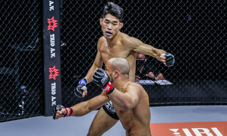 Petarung MMA Korea mengalahkan mantan juara dunia itu