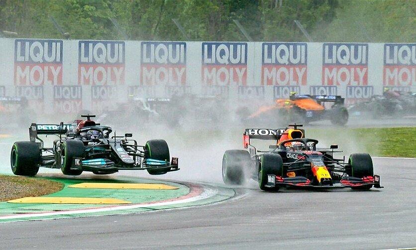 Verstappen mengalahkan Hamilton di Imola