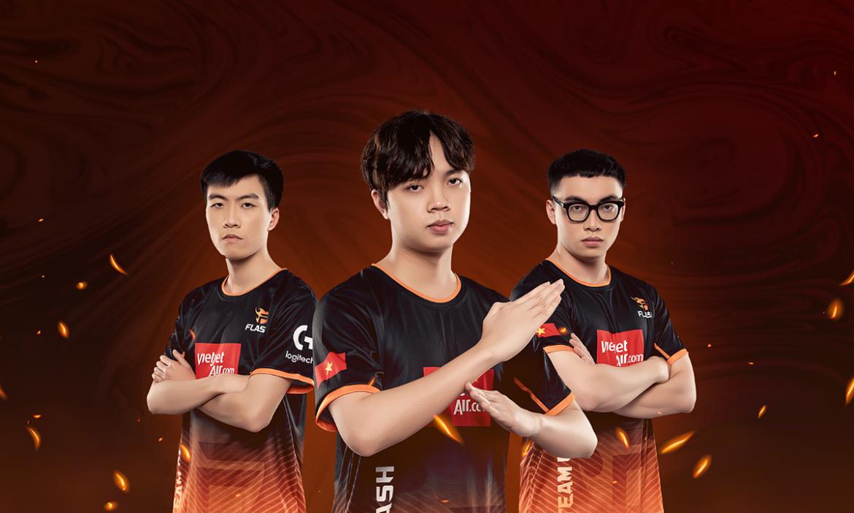 Saigon Phantom menghadapi Team Flash di final esports