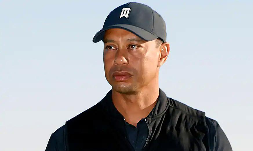 Tiger Woods kehilangan posisinya secara tidak sengaja