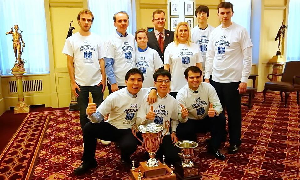 Quang Liem adalah pelatih catur Webster