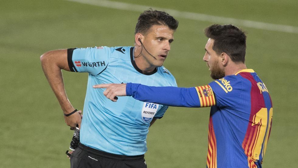Messi mengingatkan wasit untuk menghormati Barca
