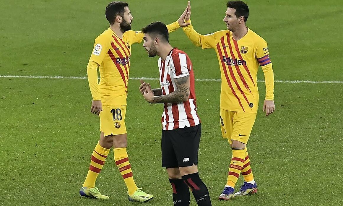 Messi siap menurunkan gajinya untuk bertahan di Barca