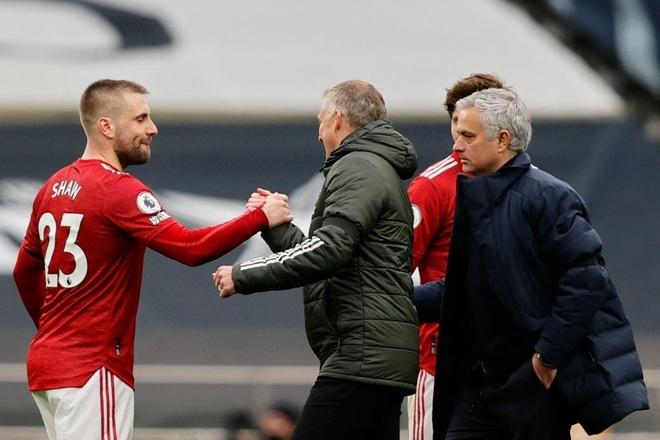 Mourinho: 'Son beruntung memiliki ayah yang lebih baik dari Solskjaer'