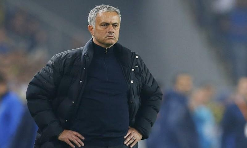 Tottenham memecat Mourinho