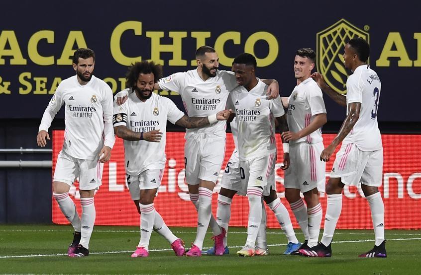 Real menempati puncak klasemen La Liga