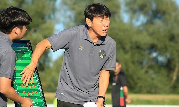 Pelatih Indonesia 'gila' karena pemainnya malas