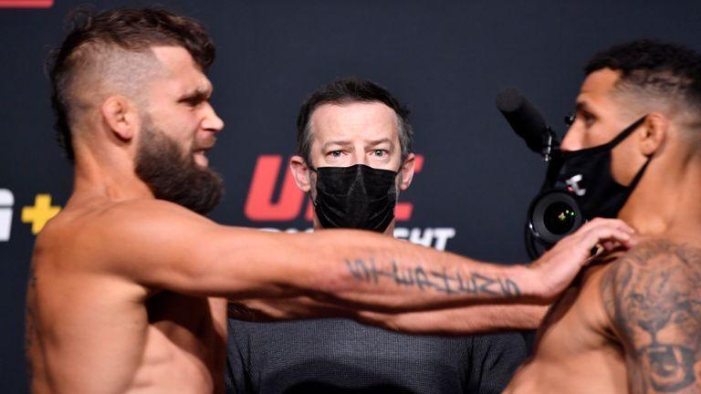 Pertandingan UFC dibatalkan karena ada dorongan