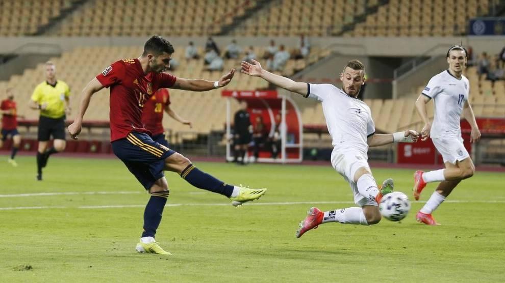 Spanyol menempati posisi terdepan Swedia