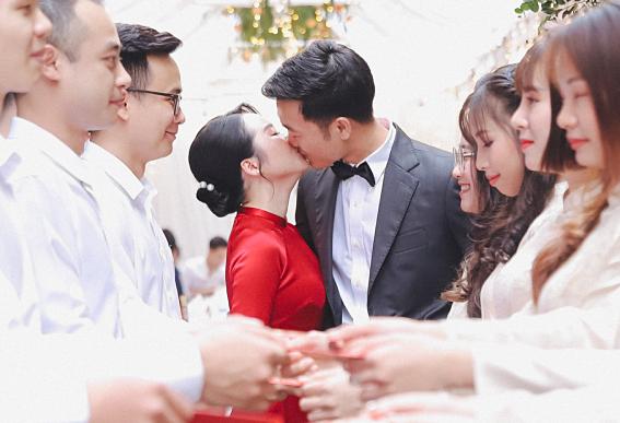 Luong Xuan Truong – Nhue Giang jatuh cinta selama upacara pertunangan