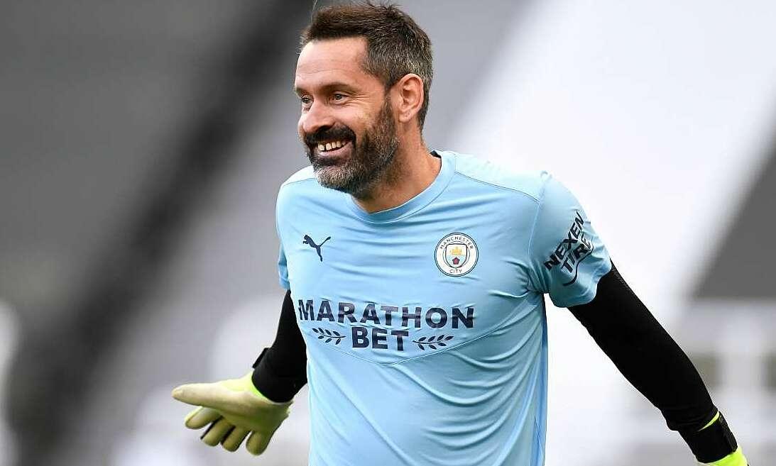 Penjaga gawang Man City kembali ke Liga Premier setelah satu dekade