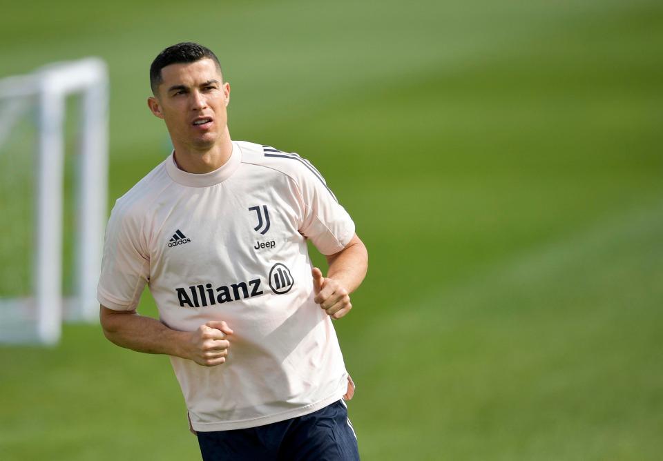 Pacarnya menegaskan Ronaldo tetap di Juventus