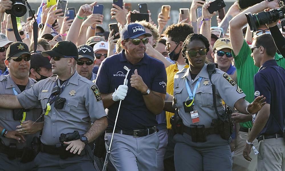 Penyelenggara menerima kesalahan atas kekacauan di lubang terakhir Kejuaraan PGA
