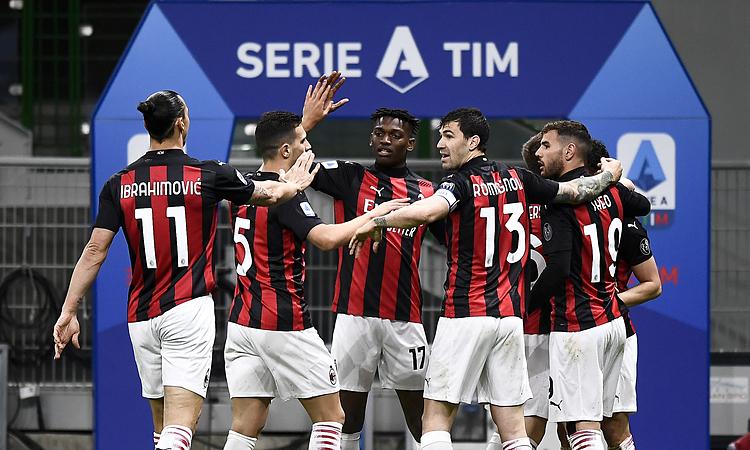 Milan menendang Juventus keluar dari Top 4