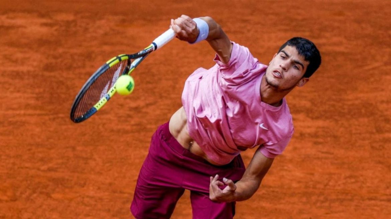 Pemain berusia 17 tahun itu mencetak rekor bermain melawan Nadal