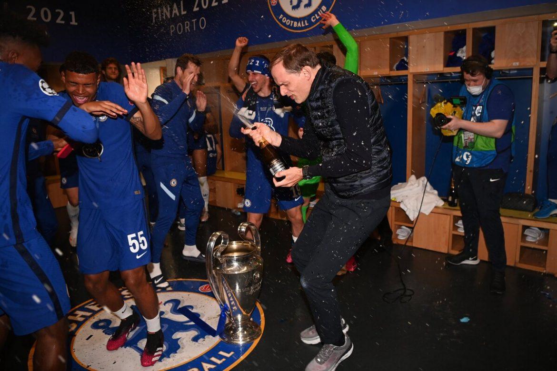 Tuchel menuangkan anggur pada pemain Chelsea