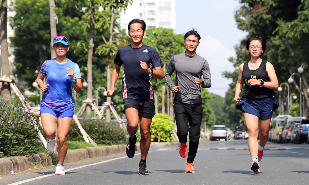 12 pelari estafet 1000km selama empat hari empat malam