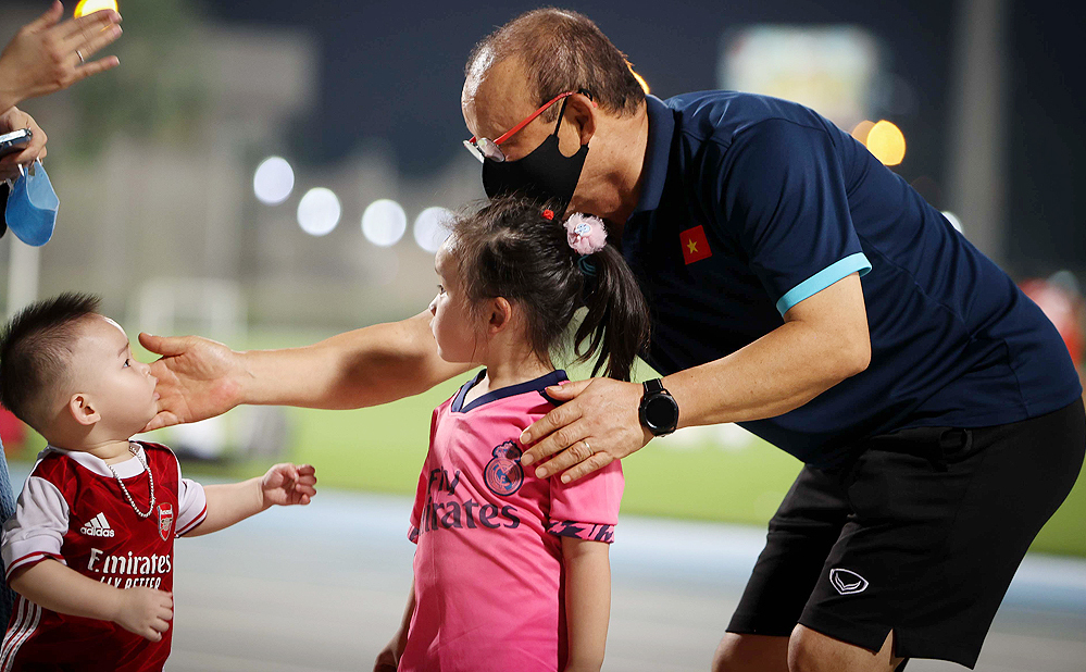Pelatih Park Hang-seo mengejutkan penggemar Vietnam di Dubai