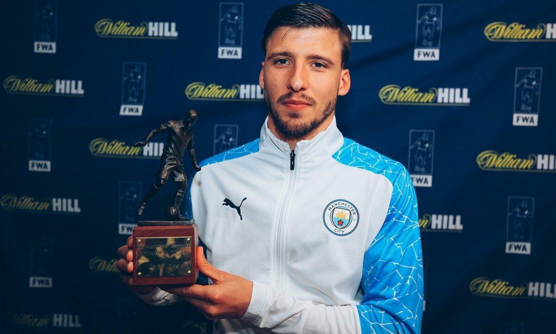 Bek Man City terbaik di Liga Premier