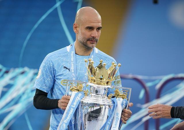 Guardiola memenangkan penghargaan pelatih terbaik