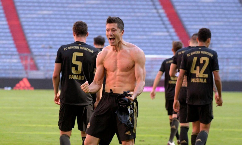Lewandowski memberi ibunya rekor gol