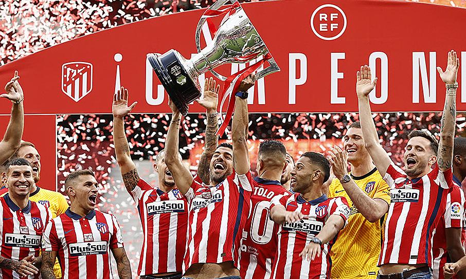 Suarez: 'Saya hampir mengirim foto saya mengangkat Piala kepada mantan presiden Barca'