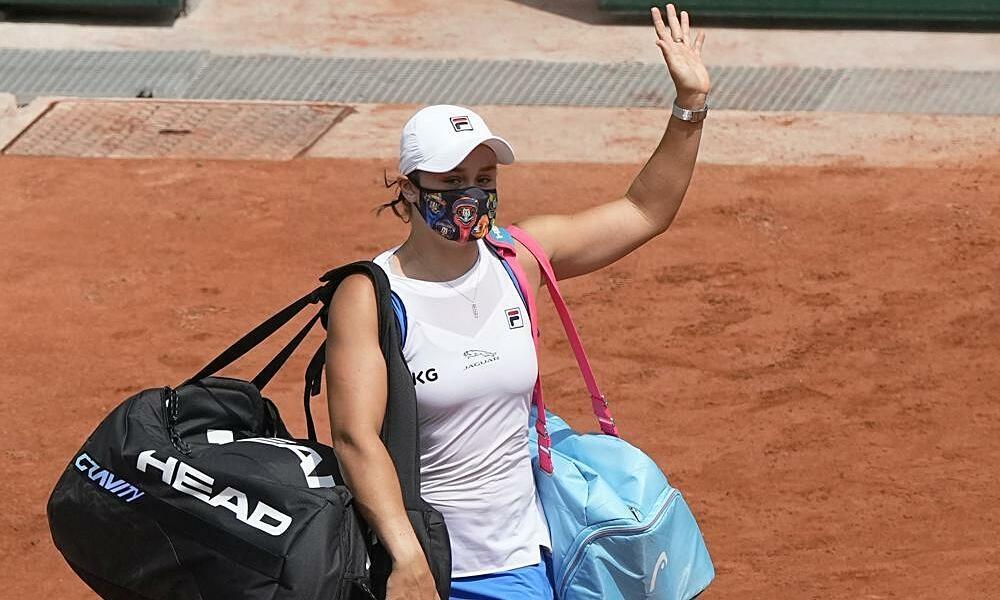 Barty berhenti di Roland Garros