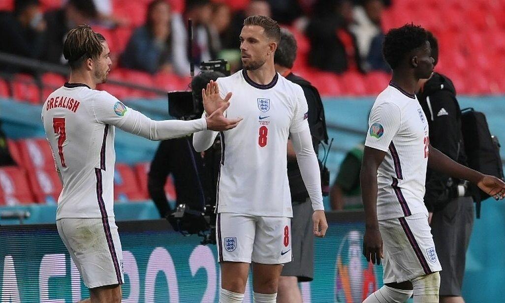 Rooney: 'Anda harus membiarkan Henderson menggantikan Grealish'