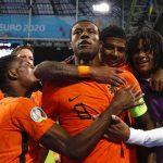 Belanda menang setelah pengejaran yang dramatis