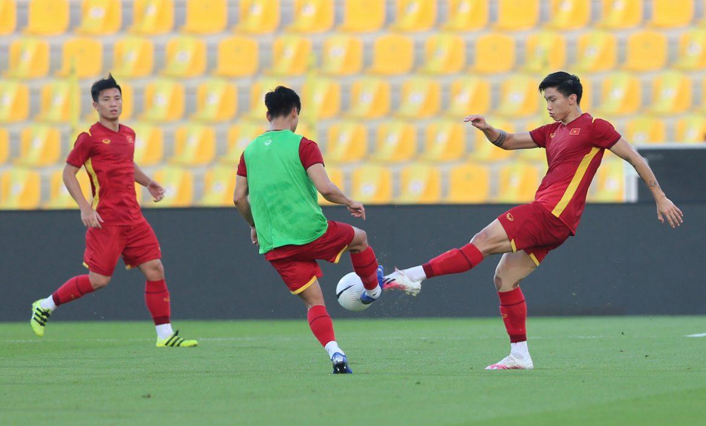 Vietnam mengenal lapangan sebelum pertandingan UEA