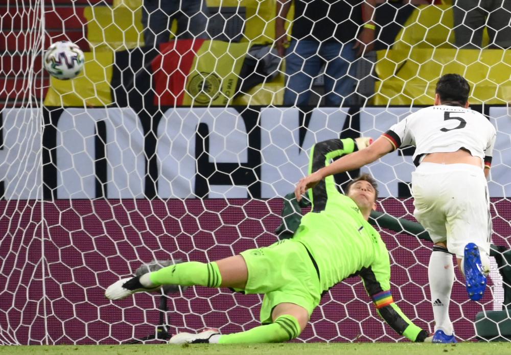 Hummels 'membantu' memecahkan rekor Euro 2021