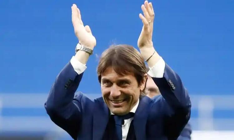 Tottenham dalam pembicaraan dengan Conte