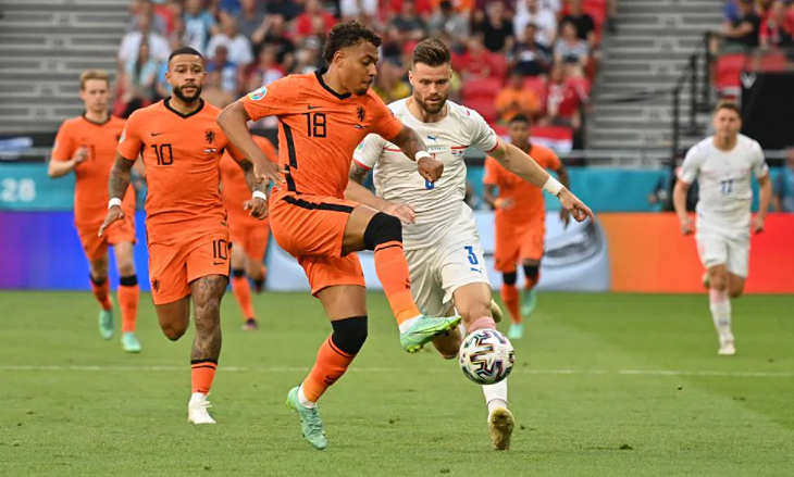 Belanda 0-0 Republik Ceko (babak pertama): Pertandingan satu arah
