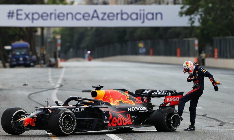 Verstappen gagal meraih kemenangan karena ban pecah di Baku