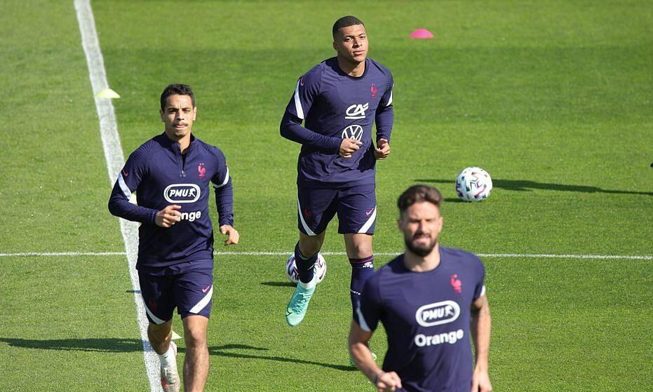 Mbappe bertengkar dengan Giroud