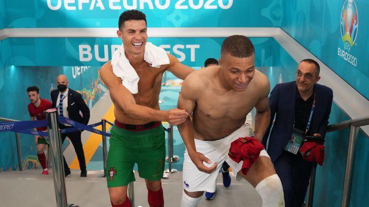 Momen Intim Ronaldo dan Mbappe Bikin Demam