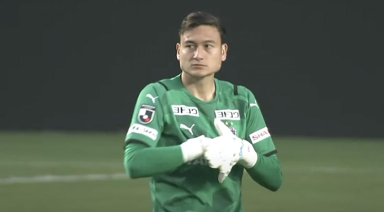 Van Lam mencatatkan clean sheet dalam debutnya Cerezo Osaka