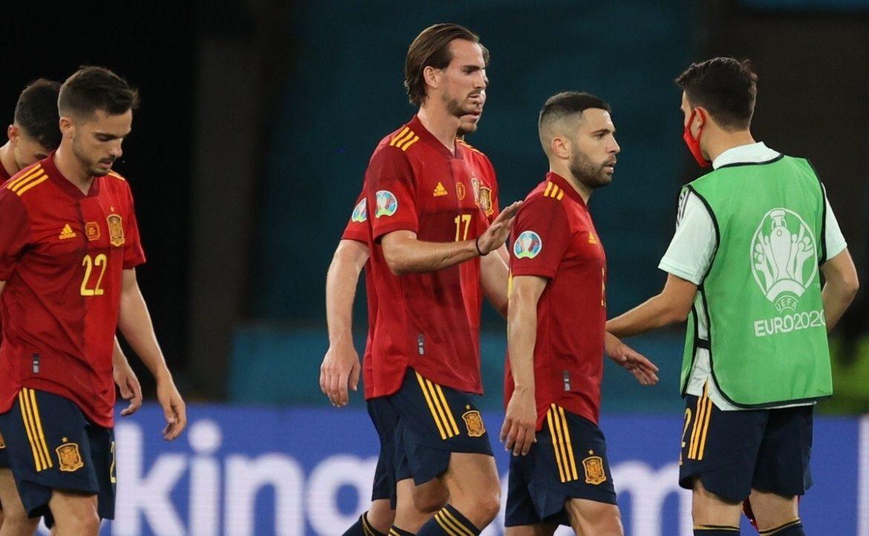 Van der Vaart: 'Spanyol hanya bisa mengoper bola'