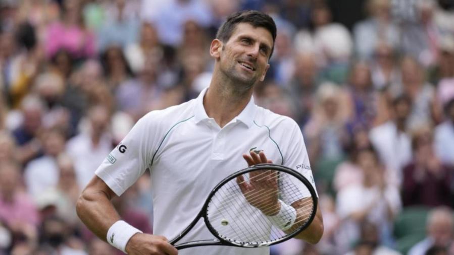 Djokovic memenangkan pertandingan 100 di rumput