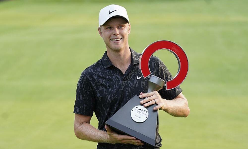 PGA Tour menutup tirai dengan playoff