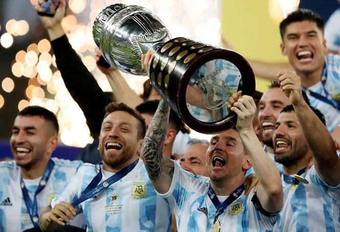 Presiden La Liga: 'Aneh bahwa Man City, PSG tidak menawarkan Messi'