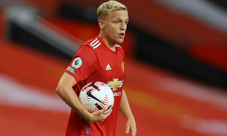 Van de Beek Tolak Barca untuk Tetap di Man Utd