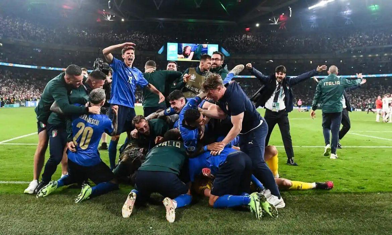 Italia mematahkan adu penalti di Euro
