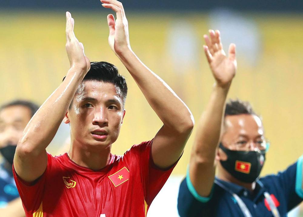 Bui Tien Dung: 'Semoga Vietnam berada di grup China yang sama'